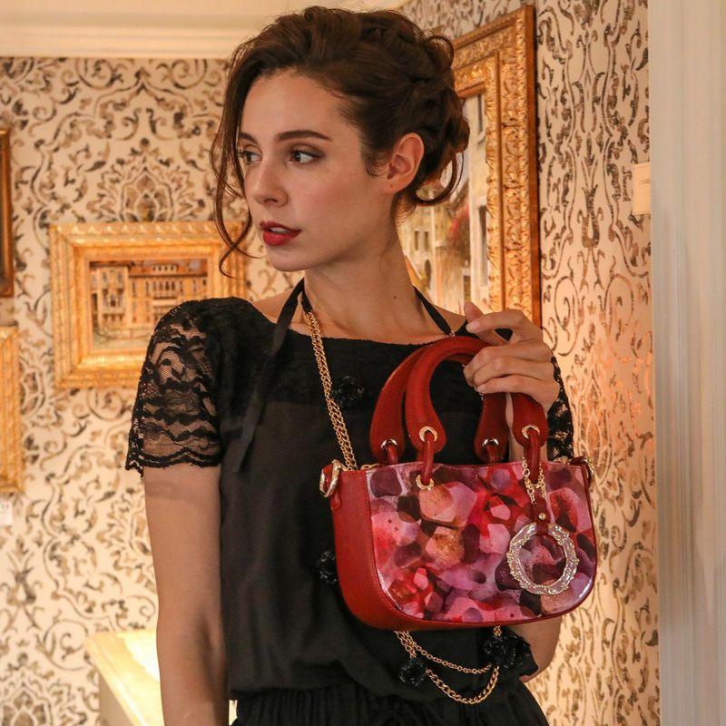 30代の女性に似合うフルッティのレディースバッグ