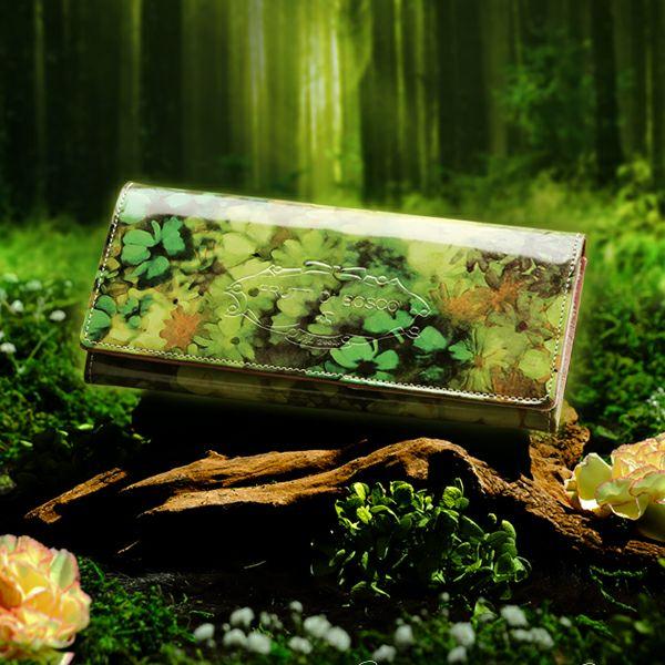 金運&運気アップする緑の財布のおすすめFURUTTI DI BOSCOのブランニューワールド 長財布